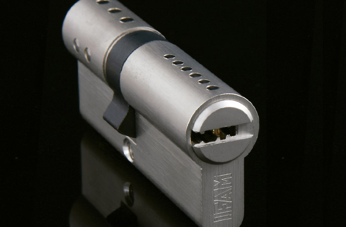 Comment changer le cylindre d'une porte blindée en 5 étapes ?